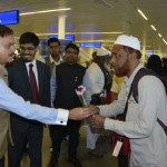 1st Haj flight from India has landed in Madinah carrying 318 Hajis from Goa at 8:00 AM. Ambassador of India Ahmed Javed, Consul General of India Noor Rehman Sheikh Consul (Haj)/DCG Shahid Alam received the Hajis.